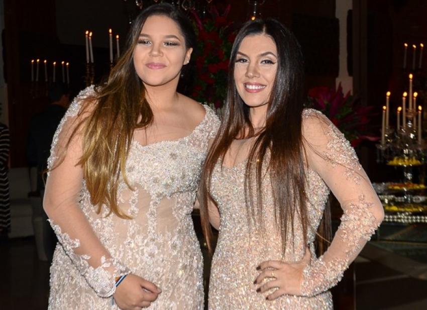 Simony festeja os 15 anos da filha Aysha Benelli